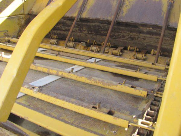 Used 1992 Haybuster 256 / Vermeer BB256 UD 9317