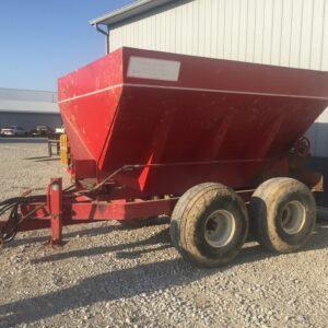 Pull behind Chandler Fertilizer Spreader Equipment for Sale