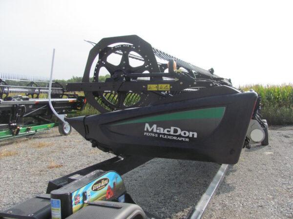 MacDon FD75 4