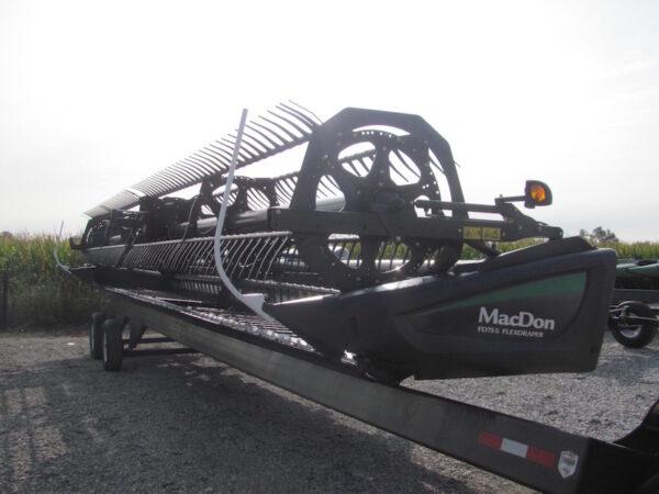 MacDon FD75 5